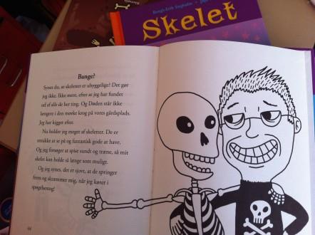 skelet_dansk_uppslag